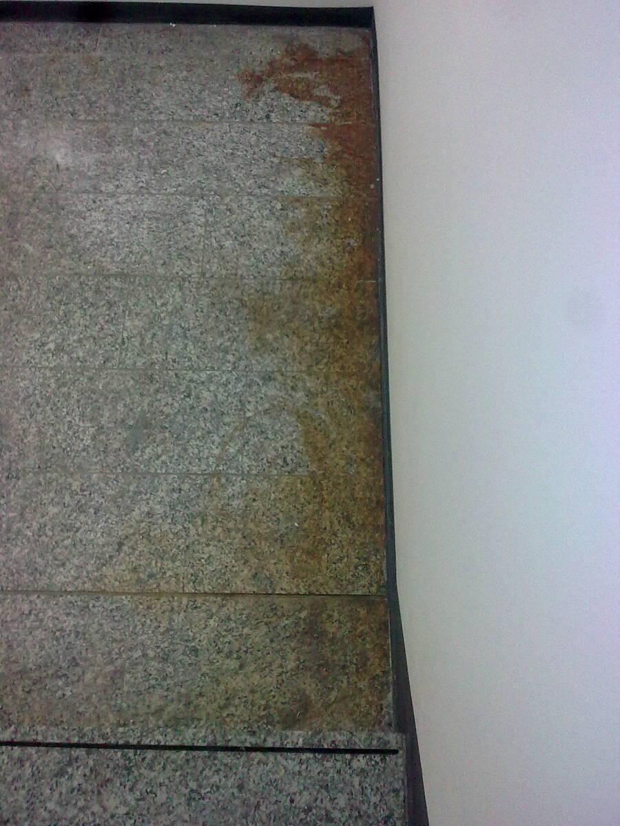 Granit mit Rostflecken