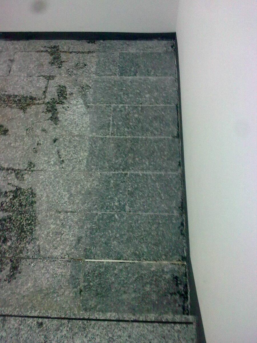 Granit gereinigt mit Rostentferner